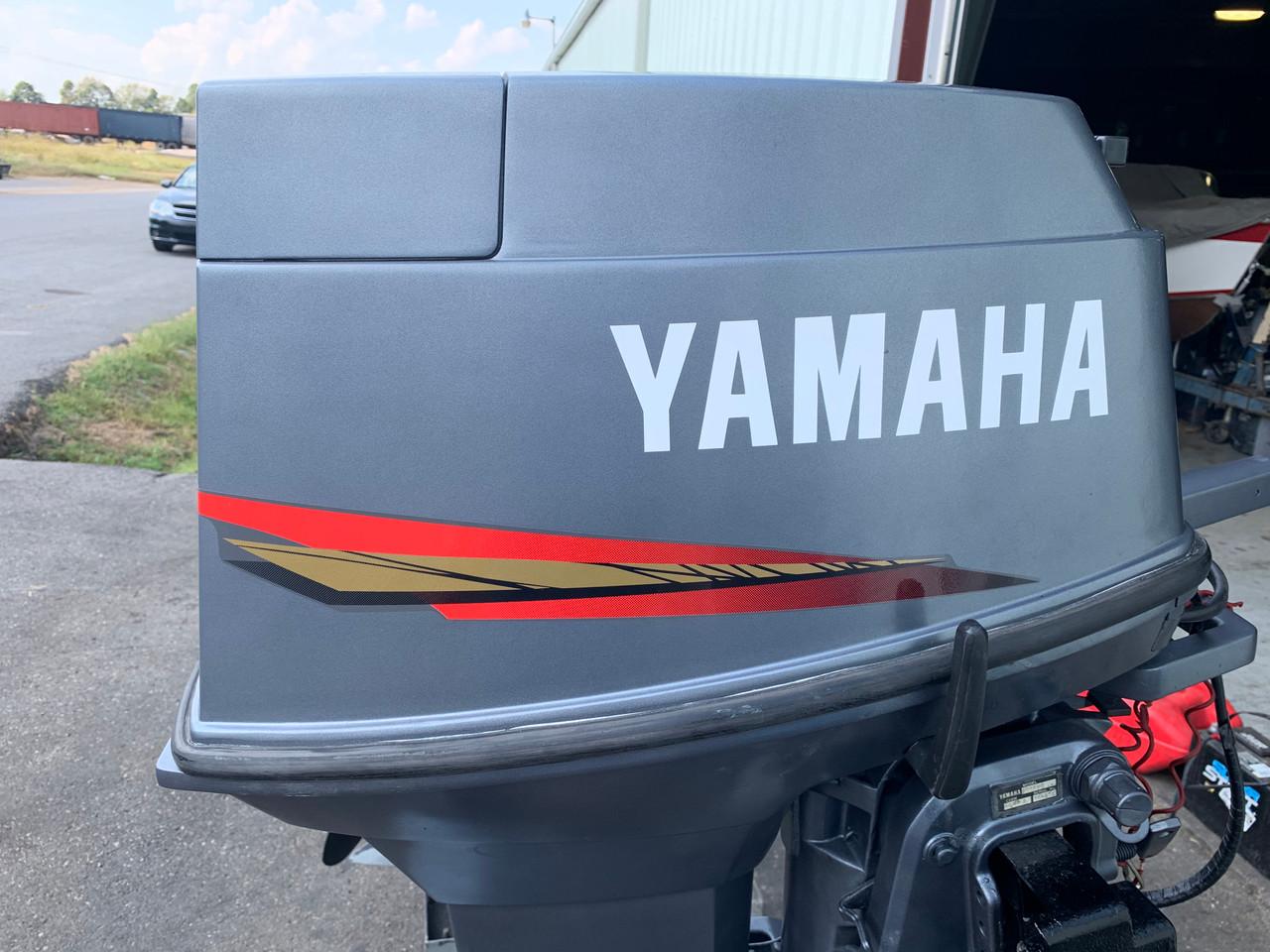 """1991 Yamaha 40 HP 3 Cylinder Carbureted 2 Stroke 15"""" (S) Tiller Outboard Motor"""