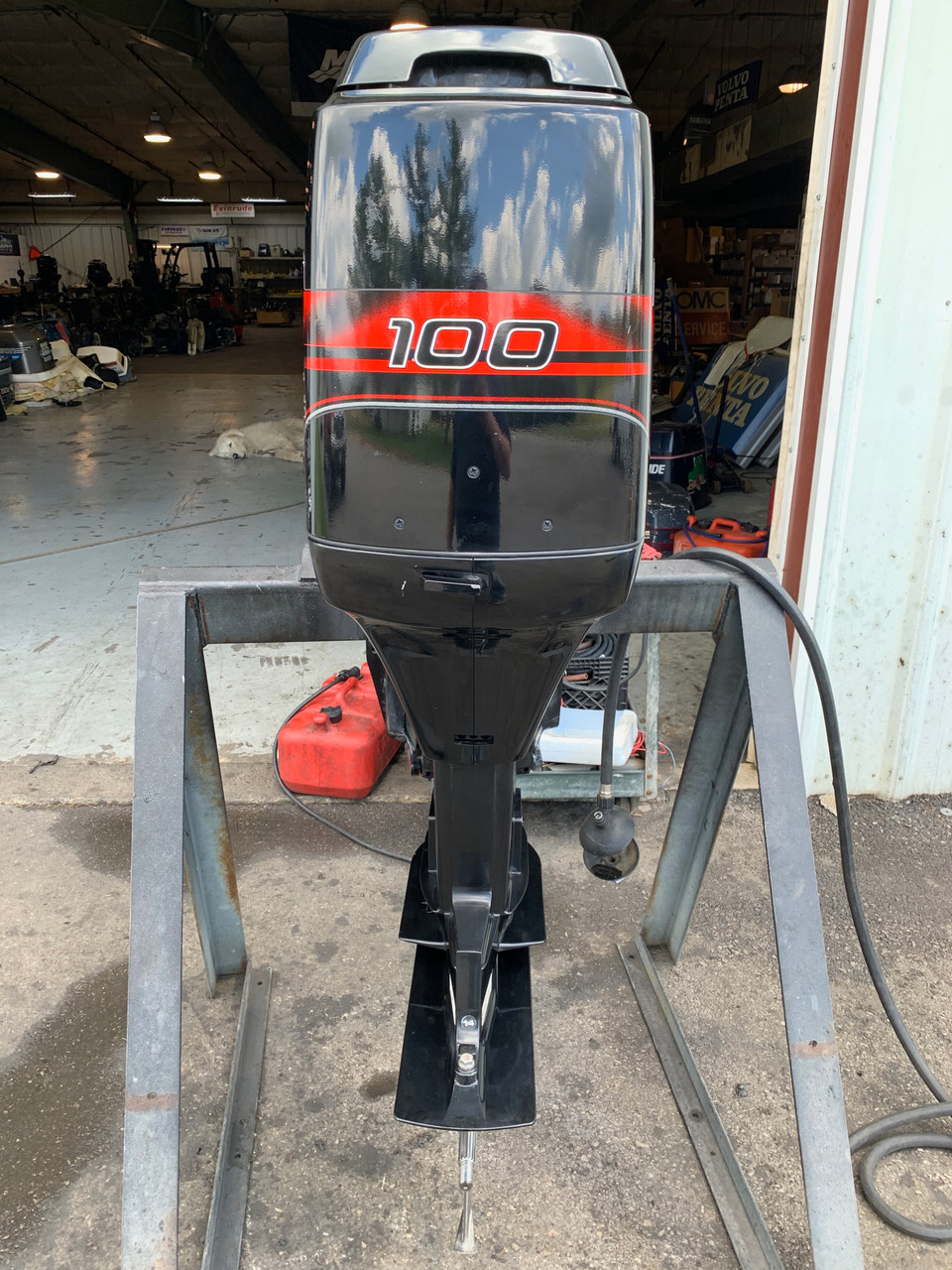 """1998 Mercury 100 HP 4 Cylinder Carbureted 2 Stroke 20"""" (L) Outboard Motor"""