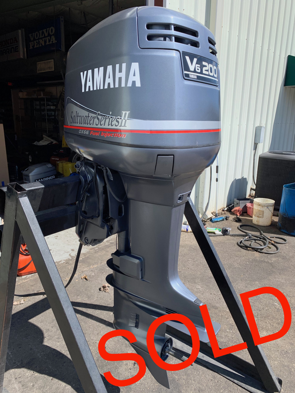 "2001 Yamaha 200 HP Saltwater Series II OX66 2.6L V6 EFI 2 Stroke 25"" (X) Outboard Motor"