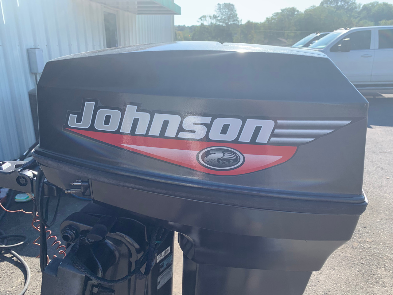 "1999 Johnson 40 HP 2 Cylinder Carbureted 2 Stroke 20"" (L) Tiller Outboard Motor"