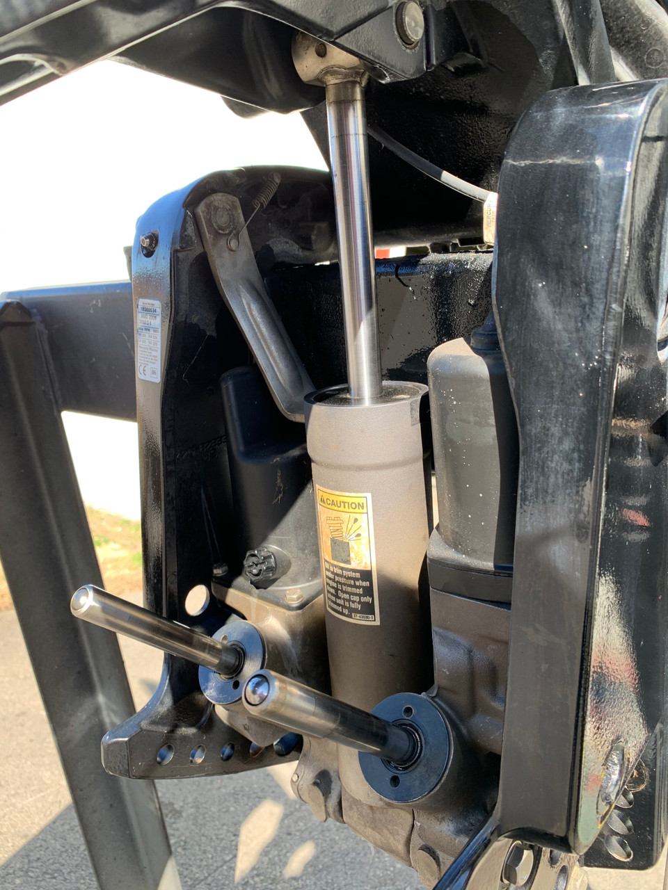"""2006 Mercury 300XS Optimax 3.2L Stroker V6 DFI 2 Stroke 20"""" (L) Outboard Motor"""