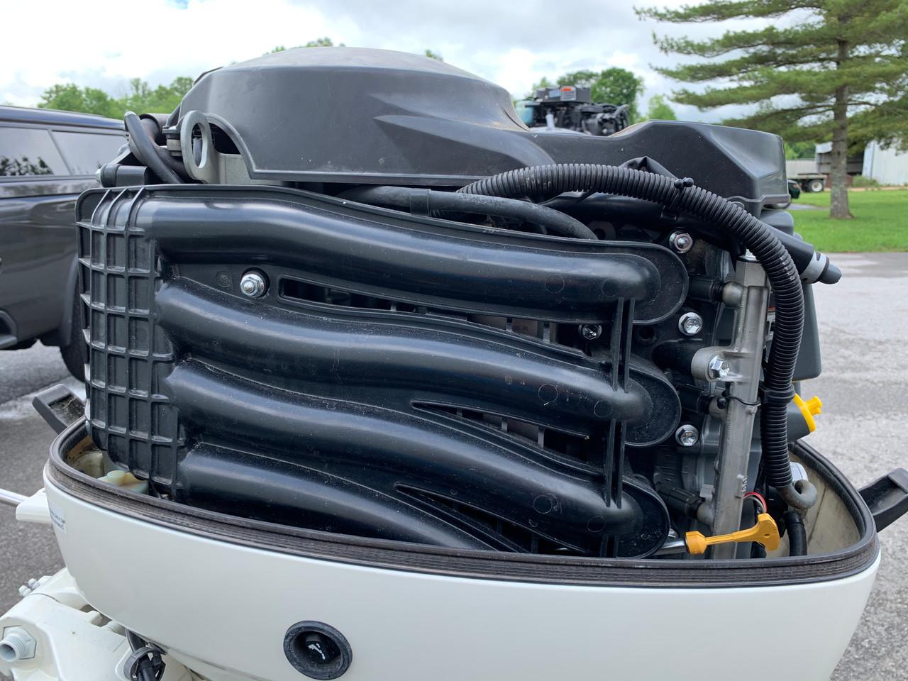 "2005 Johnson/Suzuki 60 HP 4 Cylinder EFI 4 Stroke 20"" (L) Outboard Motor"