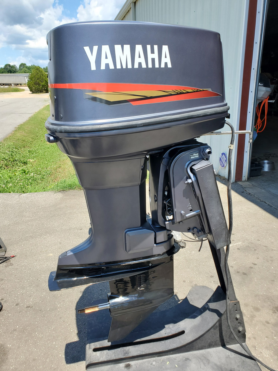 "1989 Yamaha 115 HP V4 Carbureted 2-Stroke 20"" (L) Outboard Motor"