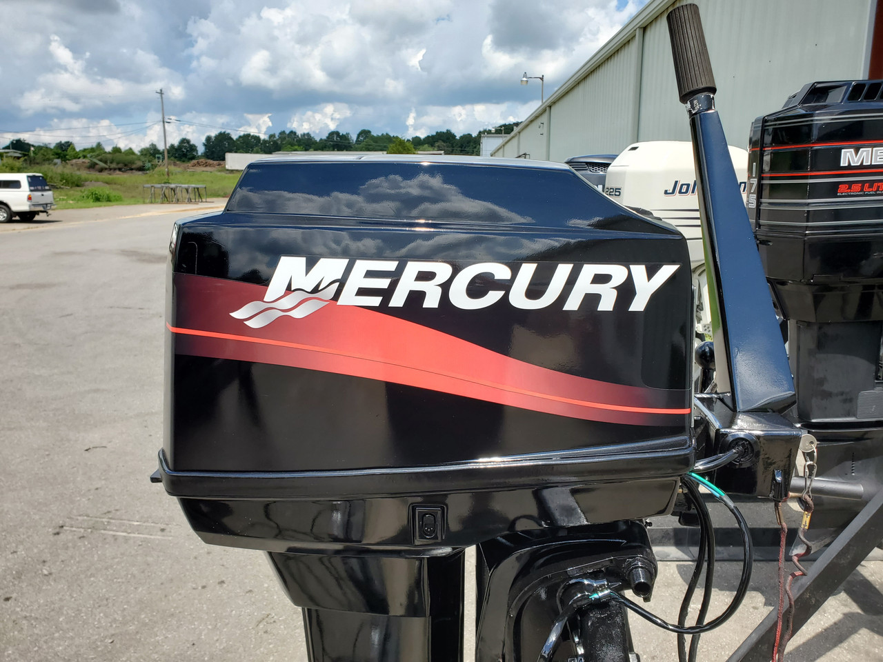 "2001 Mercury 60 HP 3-Cyl Carbureted 2-Stroke 20"" (L) Outboard Tiller Motor"