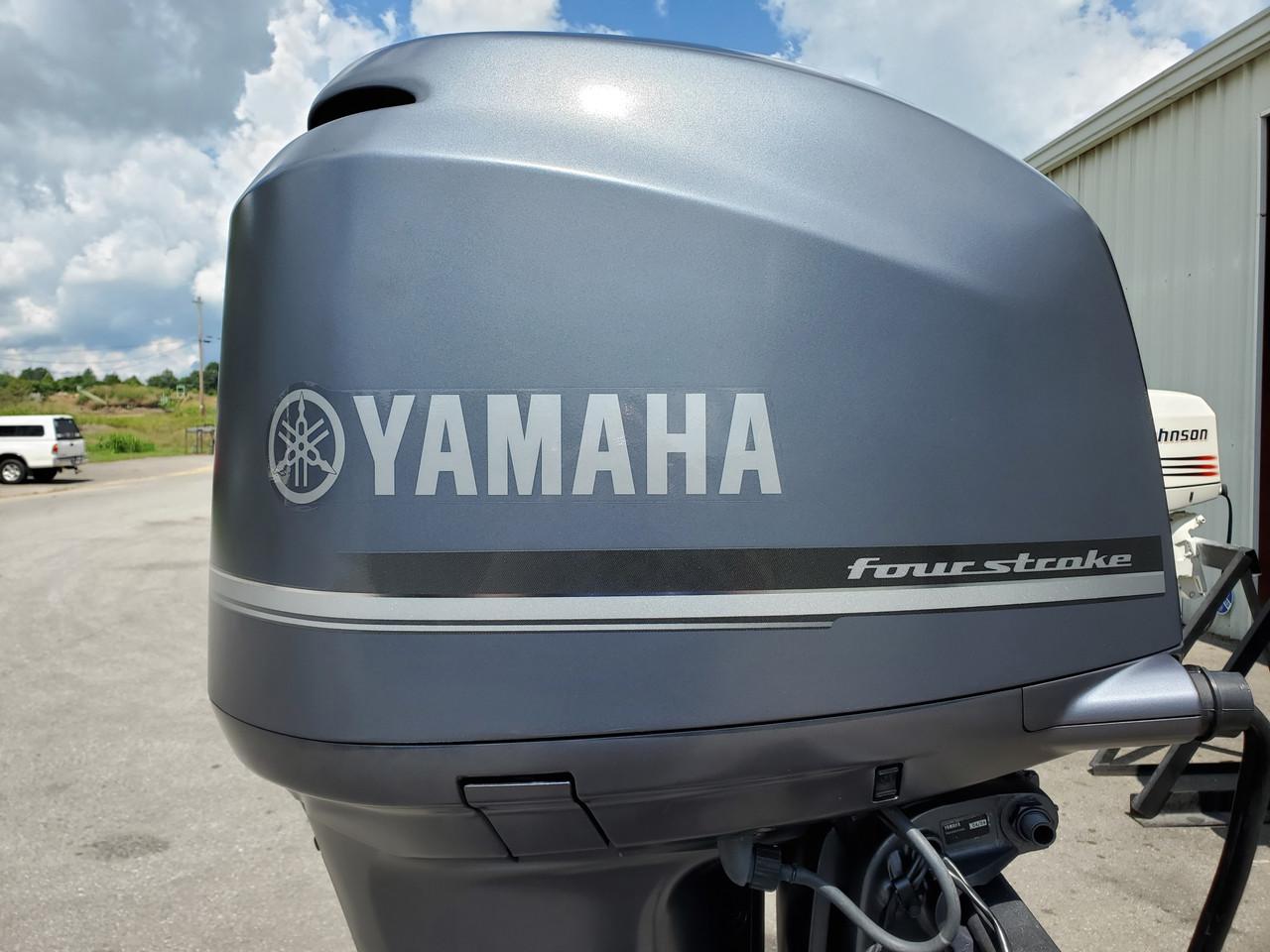 "2005 Yamaha 225 HP V6 EFI 4-Stroke 30"" (XXL) Outboard Motor"