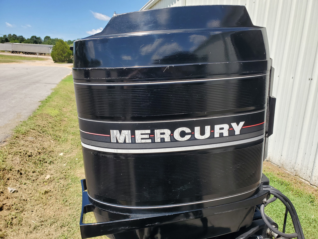 "1986 Mercury 115 HP 6-Cyl Carbureted 2-Stroke 20"" (L) Outboard Motor"