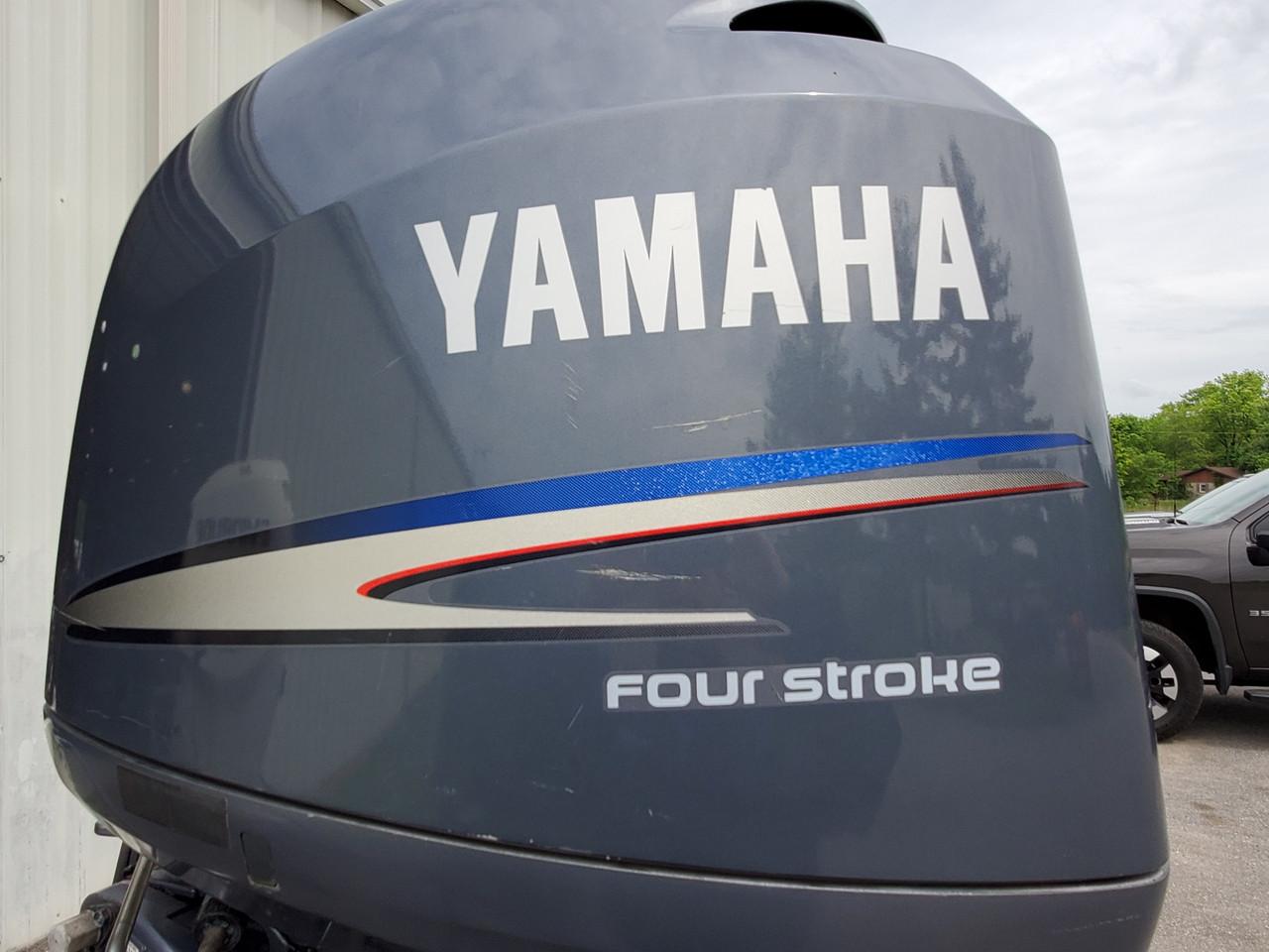 "2004 Yamaha 150 HP 4-Cylinder EFI 4-Stroke 25"" (X) Outboard Motor"