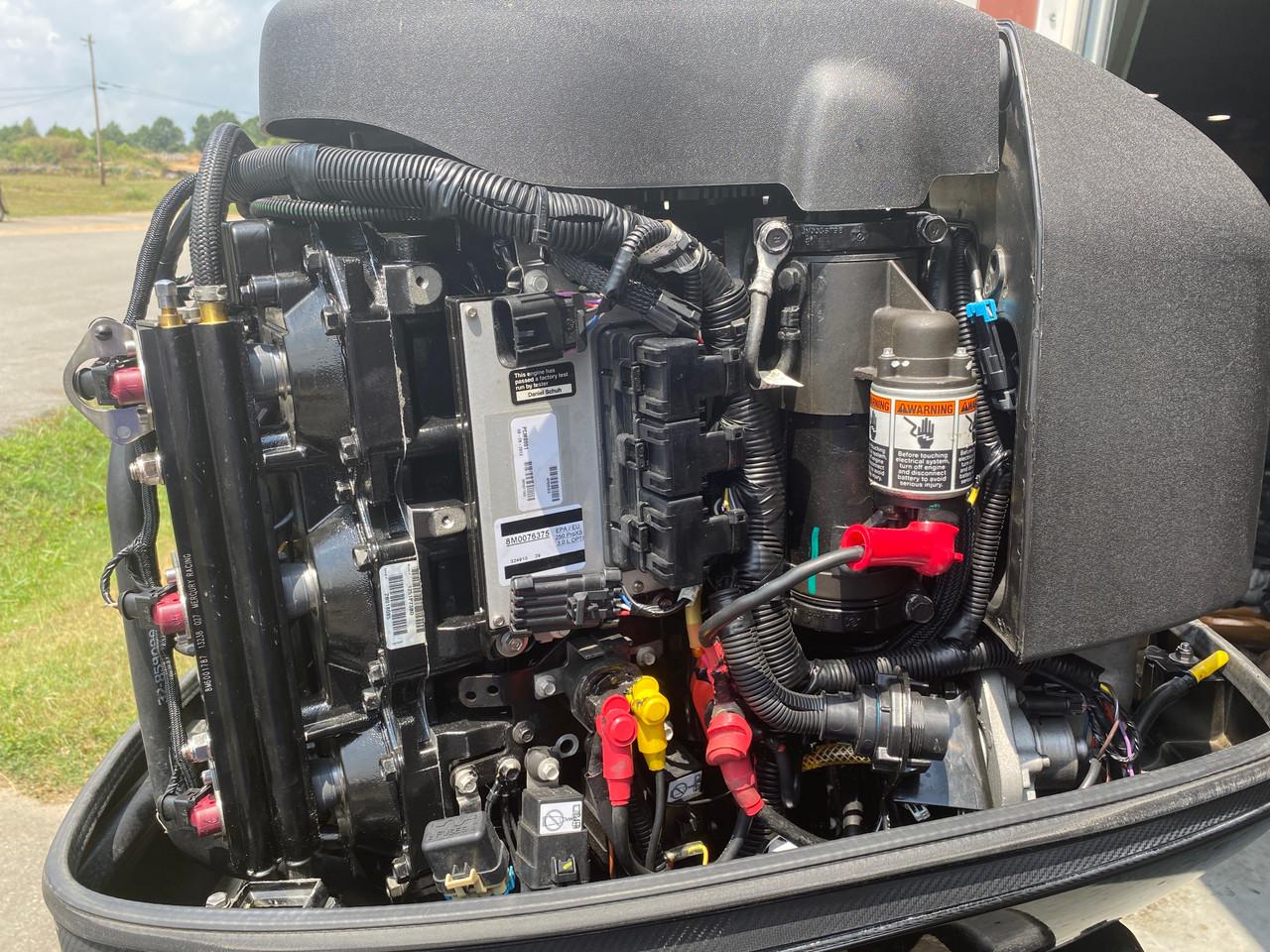 "2013 Mercury ProXS Optimax 250 HP 6-Cyl DFI 2-Stroke 20""(L) Outboard Motor"