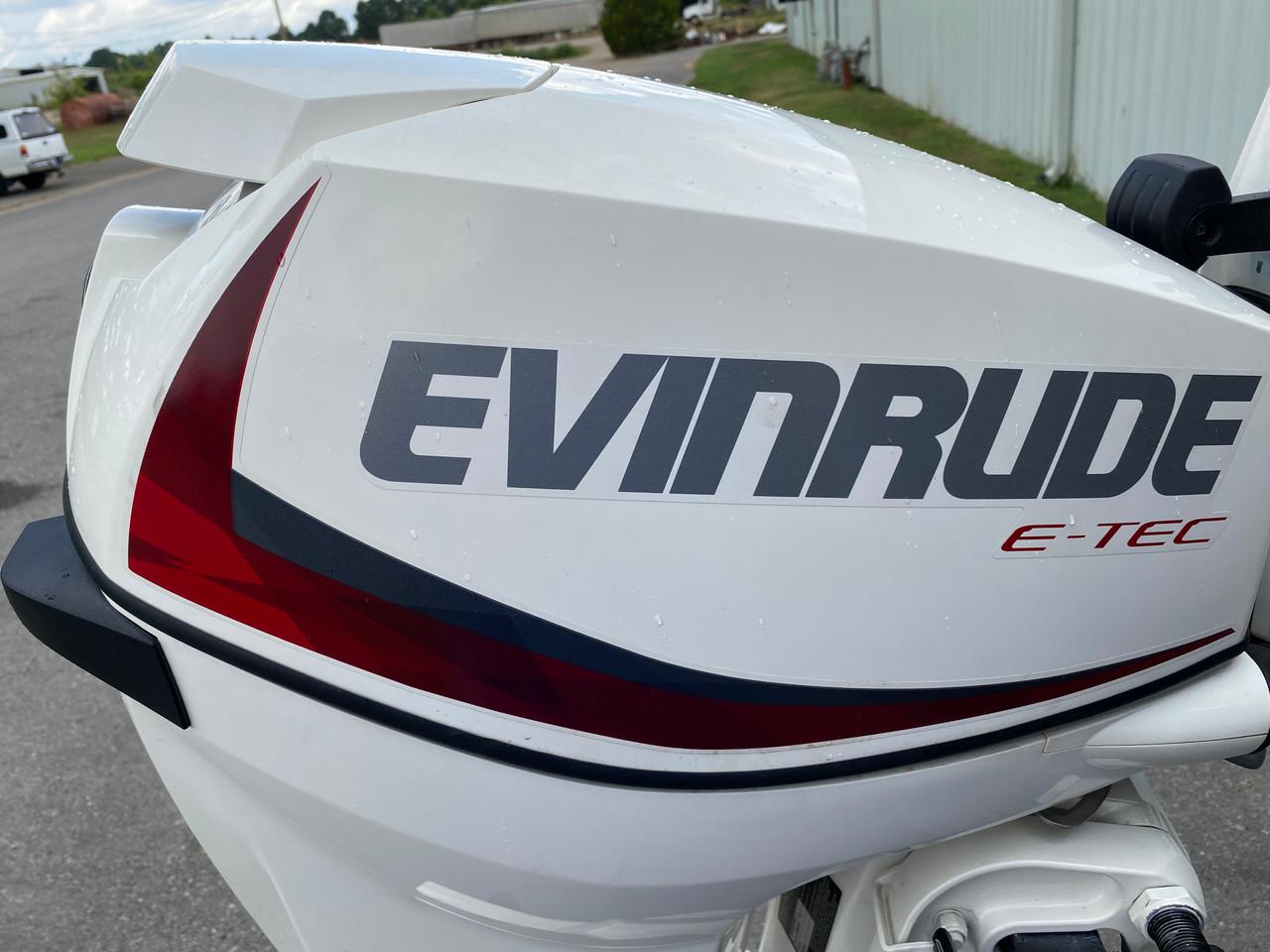 """NEW 2018 Evinrude ETEC 30HP 2-Cylinder DFI 2-Stroke 20""""(L) Outboard Tiller Motor"""