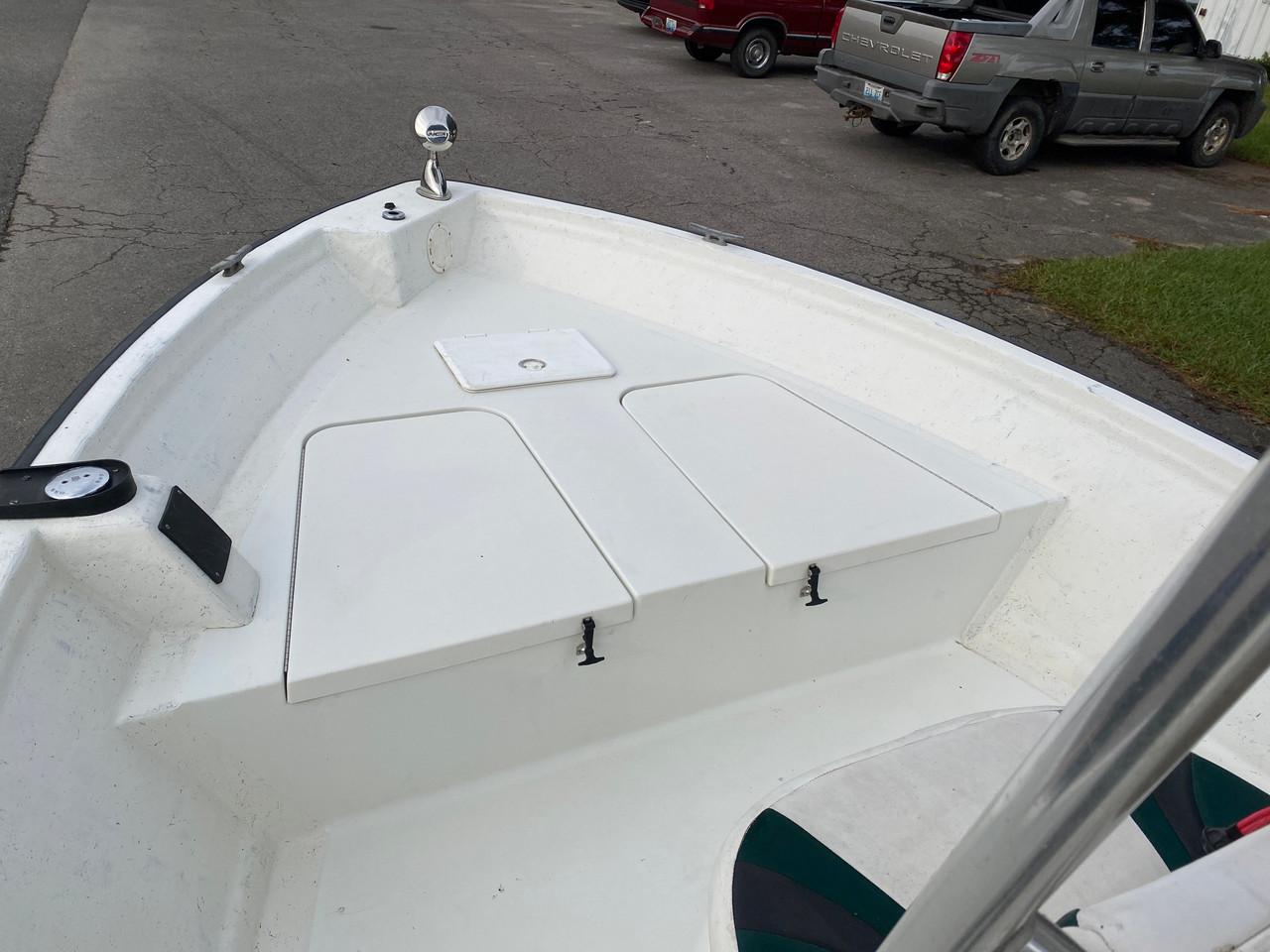 2000 Triton Enforcer 18' Fiberglass Center Console Boat