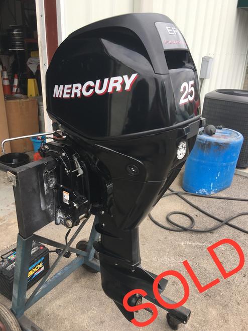 "2006 Mercury 25 HP 3 Cylinder 4 Stroke EFI 20"" Outboard Motor"