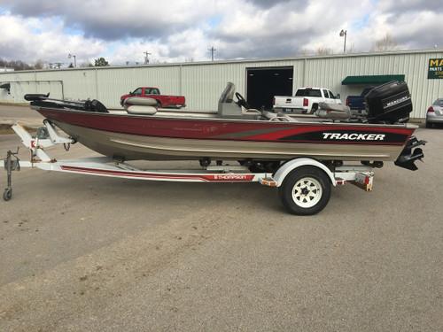 1997 Tracker Tournament V17 17' Bass Boat w/ 1988 Mercury 70 HP Motor and Trailer