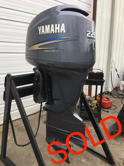 """2004 Yamaha 225 HP V6 2 Stroke 30"""" Outboard Motor"""