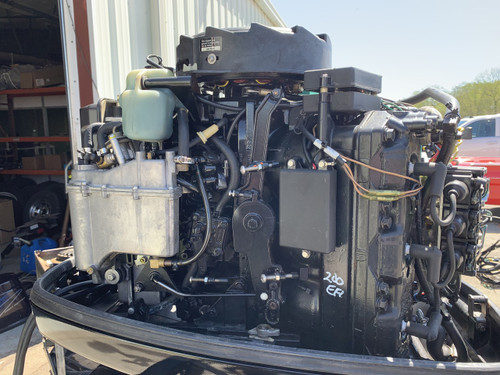 "1997 Mercury 200 HP 2.5L V6 EFI 2 Stroke 25"" Outboard Motor"
