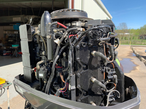 "1999 Johnson 200 HP V6 Carbureted 2 Stroke 20"" Outboard Motor"