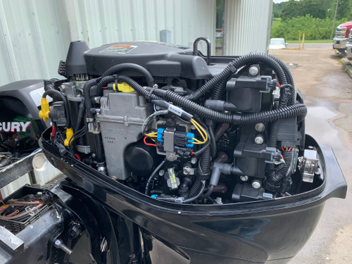 "2011 Mercury 40 HP 3 Cylinder EFI 4 Stroke 20"" (L) Outboard Motor"
