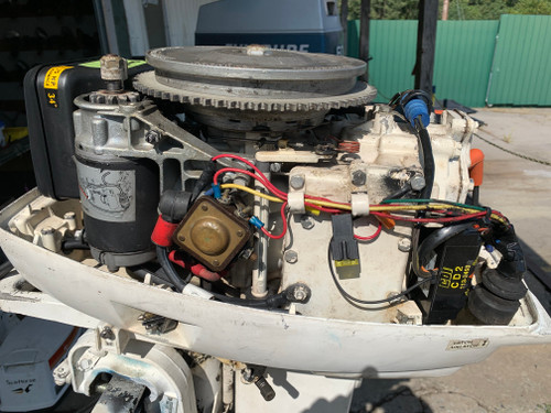 "1977 Johnson SeaHorse 25 HP 2 Cylinder Carbureted 2 Stroke 20"" (L) Outboard Motor"