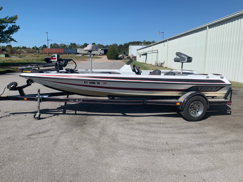 2003 Aries 181 18' Fiberglass Bass Boat with Trailer