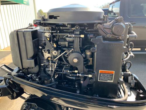"""2007 Mercury 50 HP 3 Cylinder Carbureted 2 Stroke 20"""" (L) Tiller Outboard Motor"""
