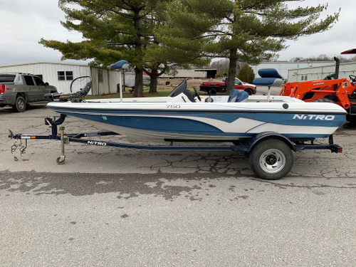 2006 Tracker Nitro NX750 18' Fiberglass Bass Boat with Trailer
