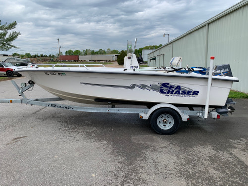 2003 Carolina Skiff 1800 RG Sea Chaser 18' Fiberglass Center Console Boat with Yamaha 90 HP Outboard Motor and Trailer