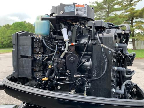 "2002 Mercury XR6 150 HP 2.5L V6 Carbureted 2 Stroke 20"" (L) Outboard Motor"