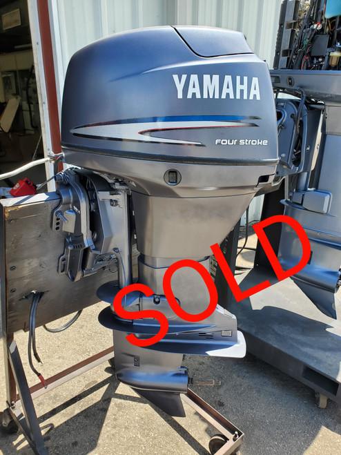 "2002 Yamaha 40 HP 3 Cylinder Carbureted 4-Stroke 20"" (L) Outboard Motor"