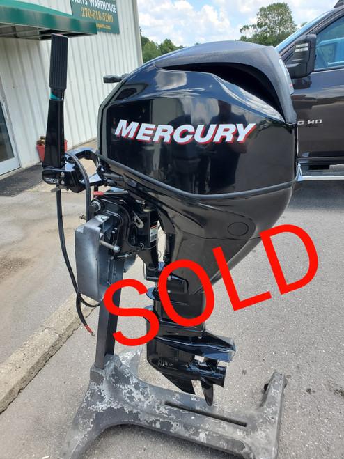 """2011 Mercury 25 HP 3-Cylinder EFI 4-Stroke 20"""" (L) Tiller Outboard Motor"""
