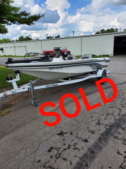 2004 Nitro NX 750 17.5' Fiberglass Bass Boat with Trolling Motor and Trailer