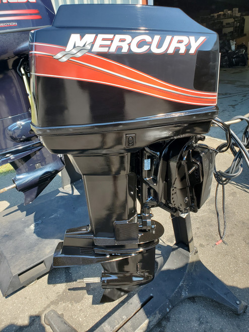 """2005 Mercury 60 HP 3-Cyl Carbureted 2-Stroke 20"""" (L) Outboard Motor"""