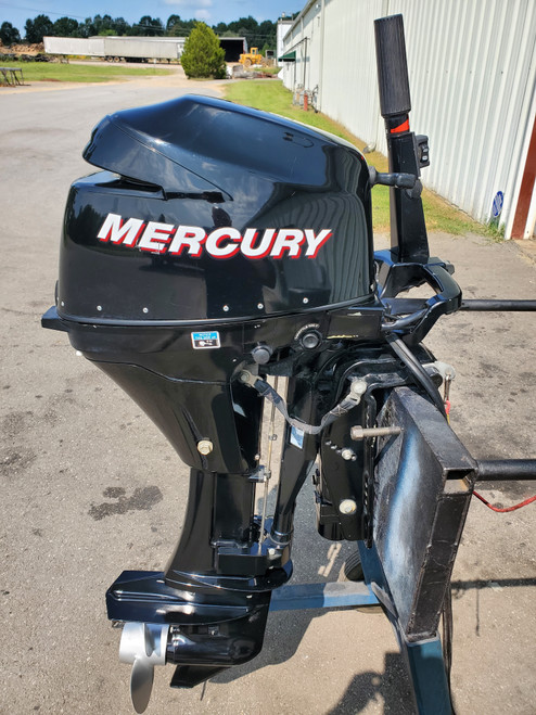 "2006 Mercury 9.9 HP 2-Cyl Carbureted 4-Stroke 20"" (L) Kicker Outboard Motor With Tiller Handle"