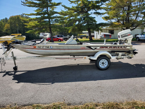 1995 Grumman 17.5' Aluminum Bass Boat with 1994 Johnson 70 HP Outboard Motor and Trailer