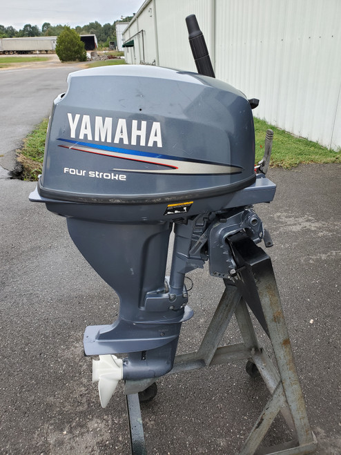 "2001 Yamaha 15 HP 2-Cyl Carbureted 4-Stroke 15"" (Short) Tiller Outboard Motor"