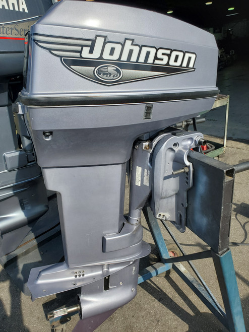 "2000 Johnson 50 HP 2-Cylinder Carb 2-Stroke 20"" (L) Outboard Motor"