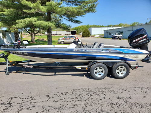 2000 Stratos Extreme 21SS 21' Fiberglass Bass Boat with 2004 Mercury 225 HP Outboard Motor and Trailer