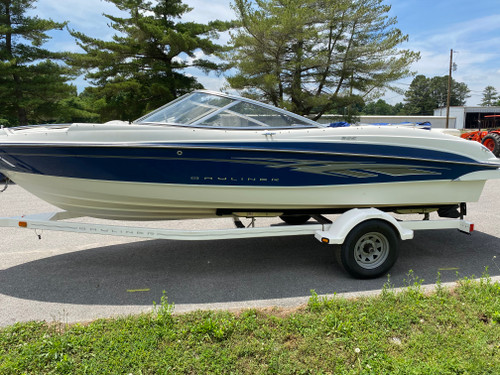 2008 Bayliner 20.5' Fiberglass Runabout Boat with 5.0L V8 Inboard Motor and Bimini Top