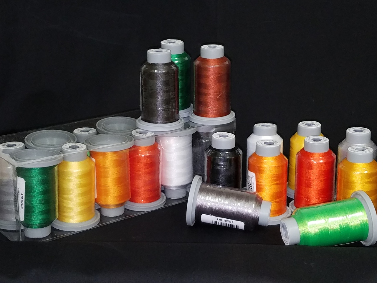halloween collection of 12 glide spools, 40wt thread - teryl loy