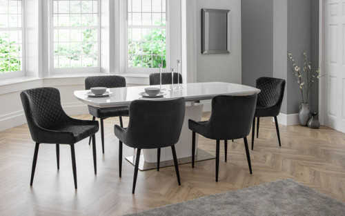 Como Extending Dining Table with Luxe Chairs