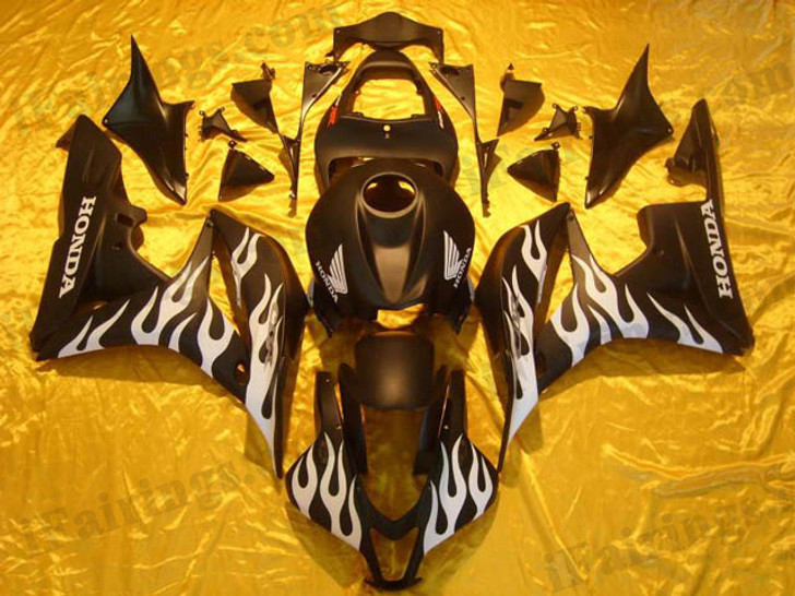 Honda CBR600RR 2007 2008 black and white flame fairing kits, this Honda CBR600RR 2007 2008 plastics was applied in black and white flamegraphics, this 2007 2008 CBR600RR fairing set comes with the both color and decals shown as the photo.If you want to do custom fairings for CBR600RR 2007 2008,our talented airbrusher will custom it for you