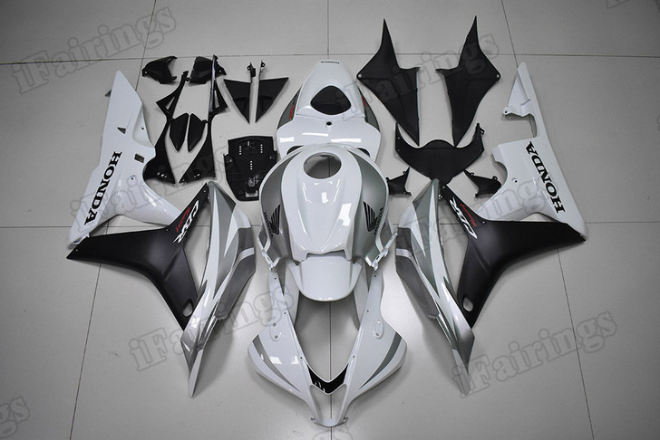 2007 2008 CBR600RR white and black fairings