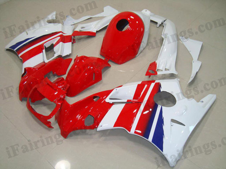 Honda CBR600 F3 1995 1996 red and white fairing kits, 1995 1996 Honda CBR600 F3 red and white plastic.This Honda CBR600 F3 1995 1996 fairing kits was applied in red and white graphics, this 1995 1996 CBR600 fairing set comes with the both color and decals shown as the photo.If you want to do custom fairings for CBR600 F3 1995 1996,our talented airbrusher will custom it for you.