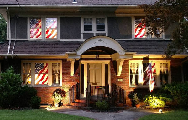 USA House! (for illustration only, see 'house full of' category for best pricing)