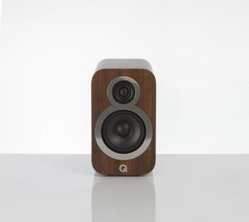 Q-Acoustics Q3010i Parlantes Nogal (Par)
