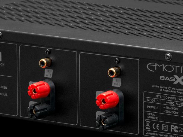 Emotiva A-300 Amplificador de Potencia 150W RMS 8 ohms