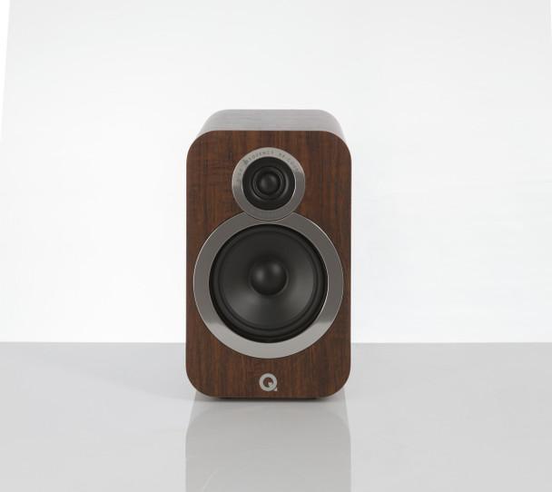Q-Acoustics Q3020i Parlantes Nogal (Par)