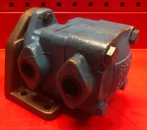 Vickers M2-210-35-1C-13 Hydraulic Motor
