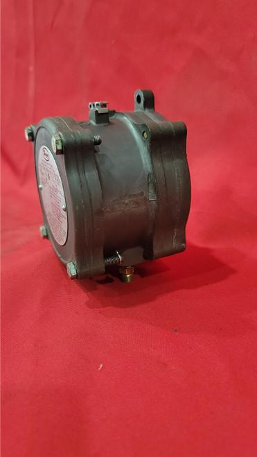 Dwyer 1950G-DD-B-120-NA Differential Pressure Switch