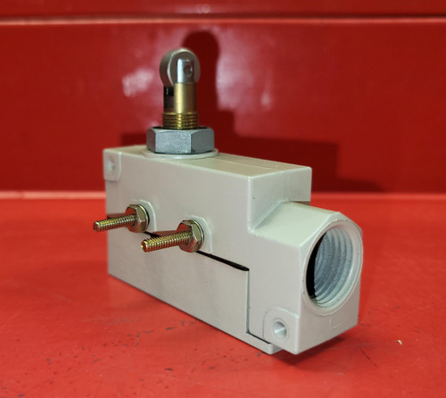 Omron ZE-Q21-2S Limit Switch