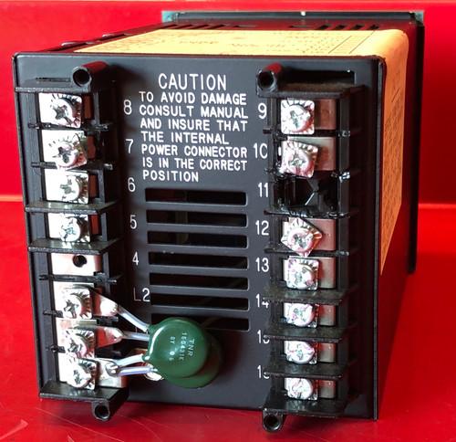 Honeywell UDC2000 (DC2004-1-0000-0000-00-0111) Temperature Controller