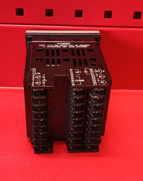 Honeywell UDC2500 Temperature Controller (DC2500-EE-0A0R-200-00000-E0-0)Used